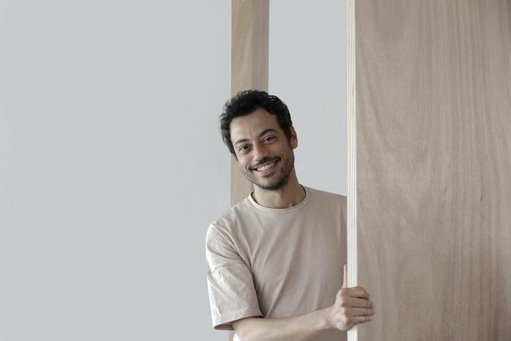 Agence, Thomas Panconi — © Loci Anima
