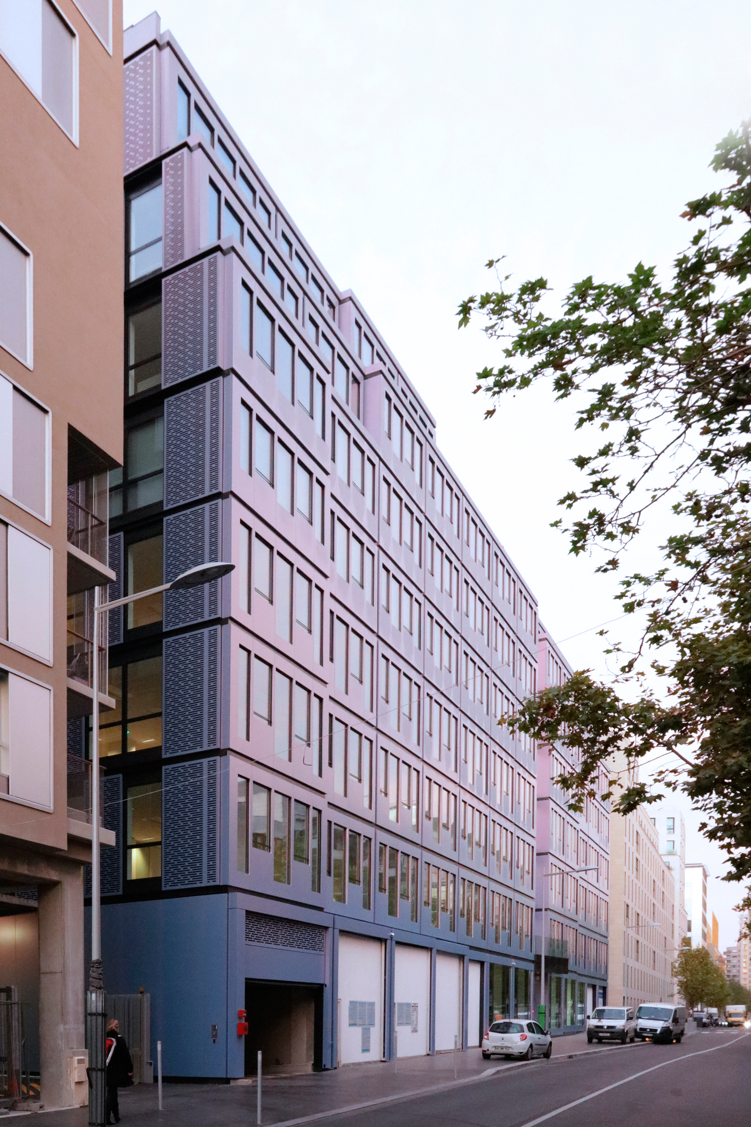 In situ office building boulogne billancourt loci anima - Bureau de change boulogne billancourt ...